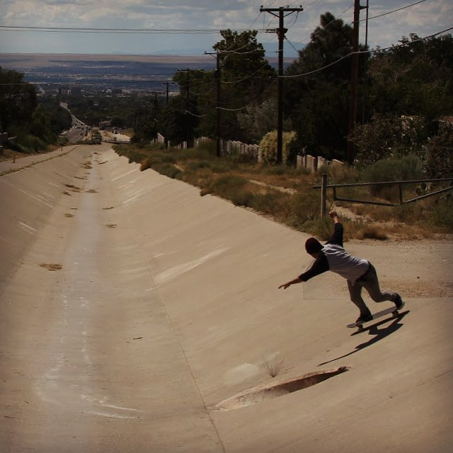 Hope you are having a rocking Labor Day weekend!  James Tracey--@deadbear13 is out working his way down a beautiful ditch on the Super Fatty!  #jamestracey #superfatty #bonzing #divinewheelco #paristruckco #timeshipracing #skateschoolsantafe