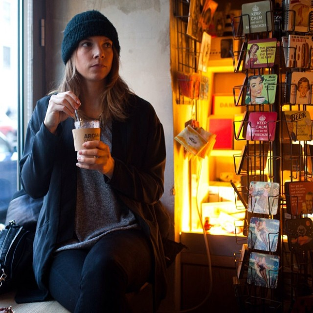 #teatime with our good friend Anke from @plsrmag in the Scotty beanie | #fineliving
