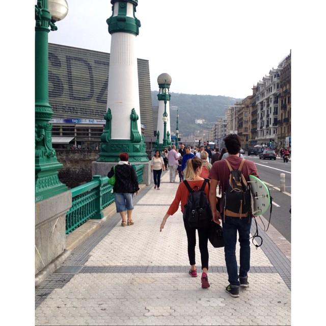 Juntos a la par / mochila junco negra y mochila everglade / San Sebastián, País Vasco.