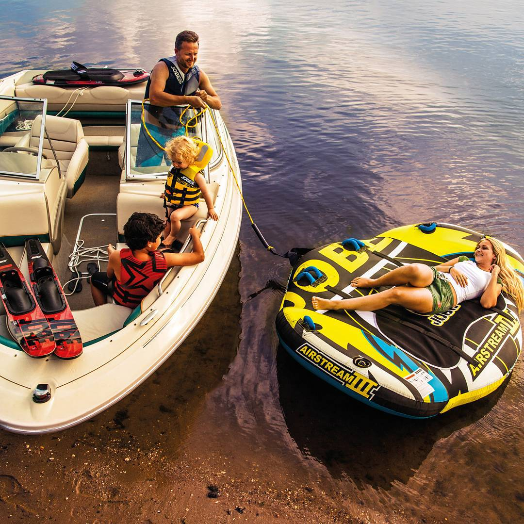 Its weekend! Have unforgettable #jobemoments with your loved ones'  #fun #watersports #boating #friends #family