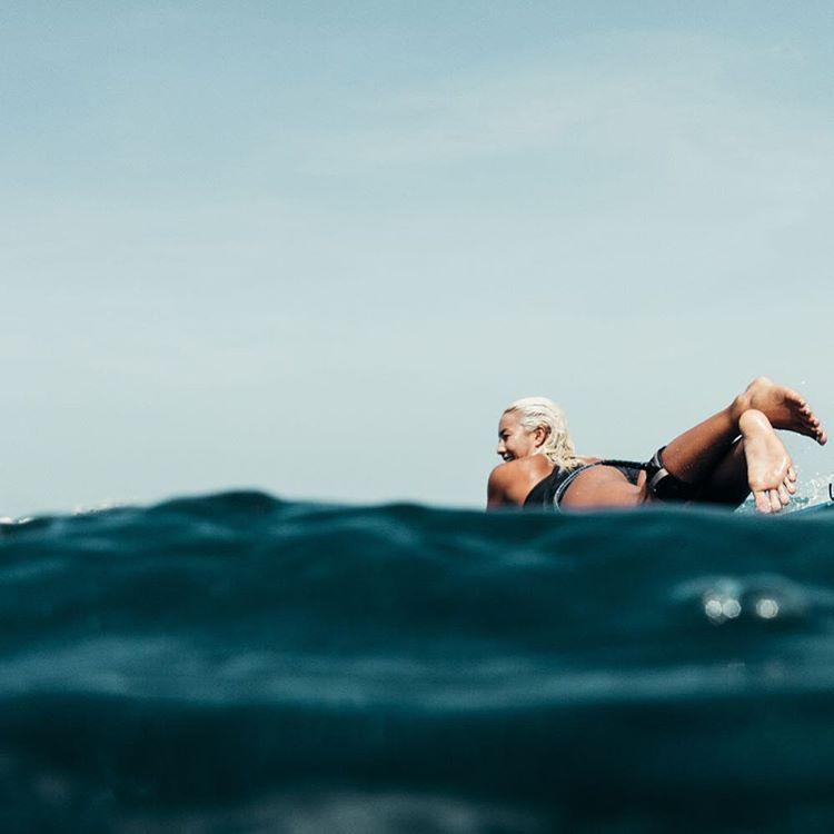 Dreaming of long glassy days like this #ROXYsurf  roxy.com/surf