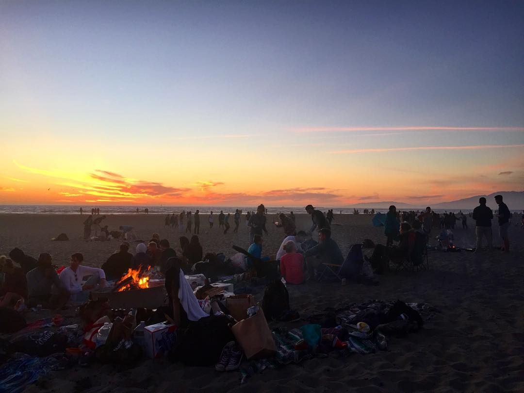 Yeah, This is California #bonfire #oceanbeach #SanFrancisco #sunset #sunsetchaser #LaborDayWeekend #summer