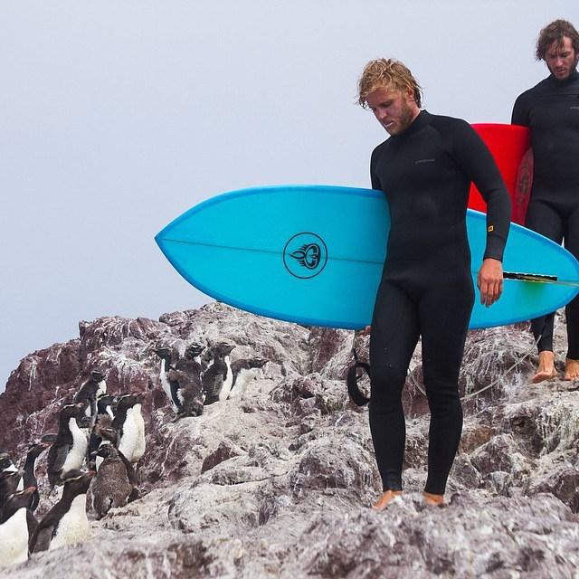 @gauchosdelmar es un proyecto de dos hermanos que recorren el mundo surfeando para conocer diferentes culturas y transmitirles un estilo de vida simple, sano y cercano a la naturaleza. Desde #Páez queremos apoyar su proyecto y sumarnos a sus viajes a...