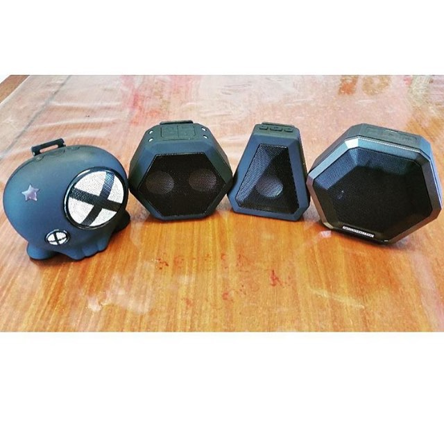 @b2baaron with the #Boombotix #familyportrait