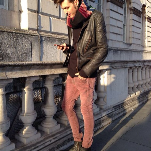 Repost Paul Fava @paulfava desde London Fashion Week #LFW, con su Volcom Brand Jeans #VBJ #W14 #Volcom #NowinColors
