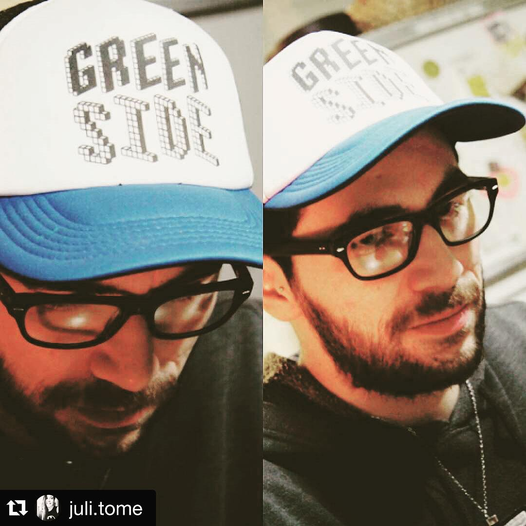 #Repost @juli.tome with @repostapp. ・・・ #greenside #gorra #boy #urbanroach