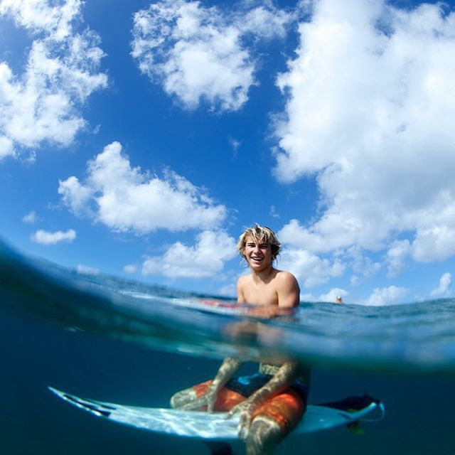 @jackrobinson_official all smiles #lifesbetterinboardshorts