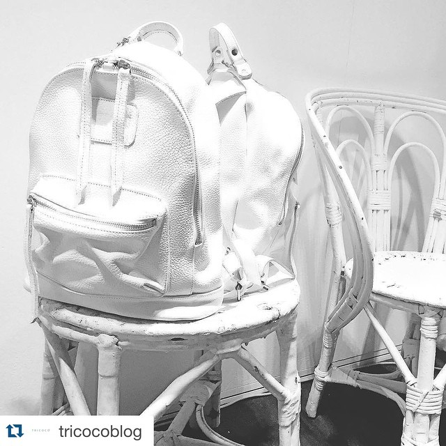 ❗️atención Uruguay!! Mini Navajas blancas en @st_clemente !! #Repost @tricocoblog with @repostapp. ・・・ #Tbt al #BAFWEEK > Amor a primera vista con esta mochila blanca ⚪️⚪️ de @mambobackpacks