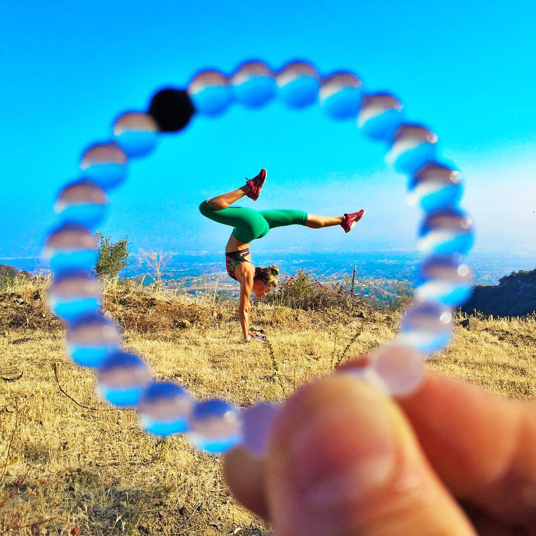 Bottoms up! Show us how you stay balanced #livelokai Thanks @yoga_ky