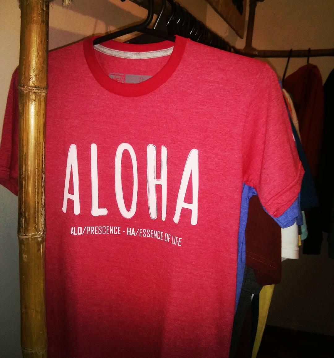 ALOHA TEE! Alo/Prescence - Ha/Essence of Life #maetuanis #surf #surfing #aloha #tee #powerofnow #elpoderdelahora