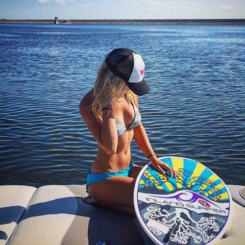 Sweet #summer dayssss // #repost from brand ambassador @kendre_hoggard #luvsurf #live #getoutside #play  #wakesurf #wakegirls