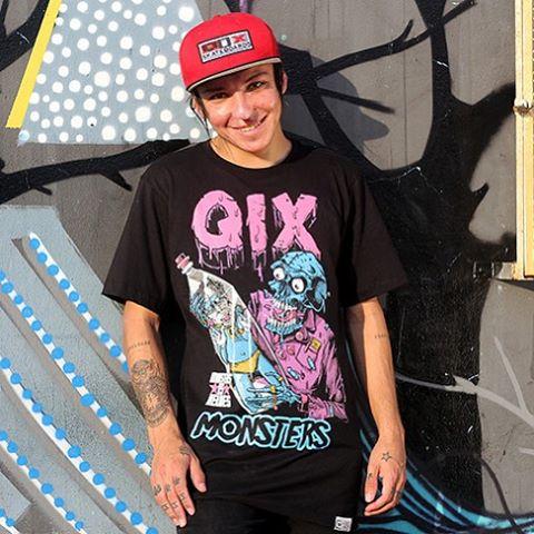 @luiznetosk8 com a camiseta #qixskate Monster - Disponível nas melhores lojas de skate do Brasil #qixteam #skateboardminhavida