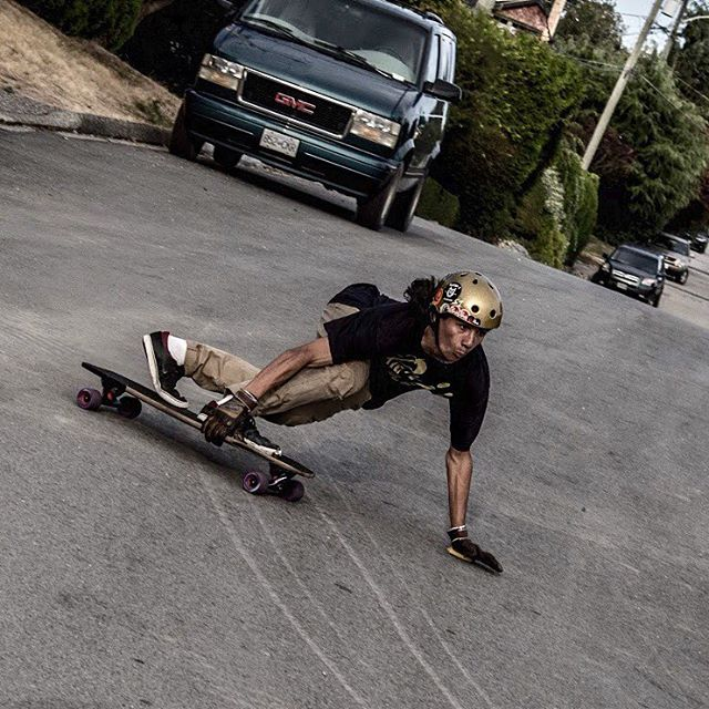 Team rider @sho_ouellette put his game face on for this toeside predrift!