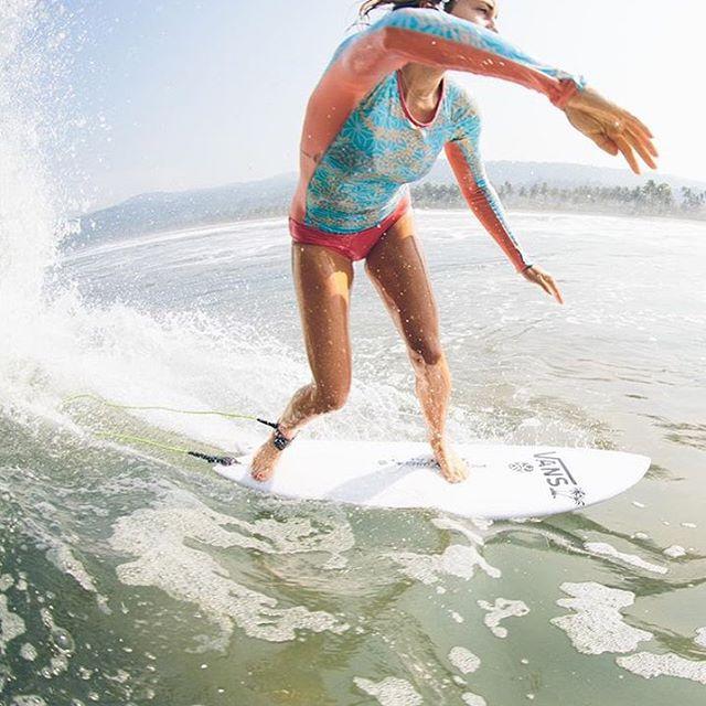 Sweet @leilahurst free to move around in the #seeapalmas long sleeve surf suit. #gagehingeley shot by @gagehingeley