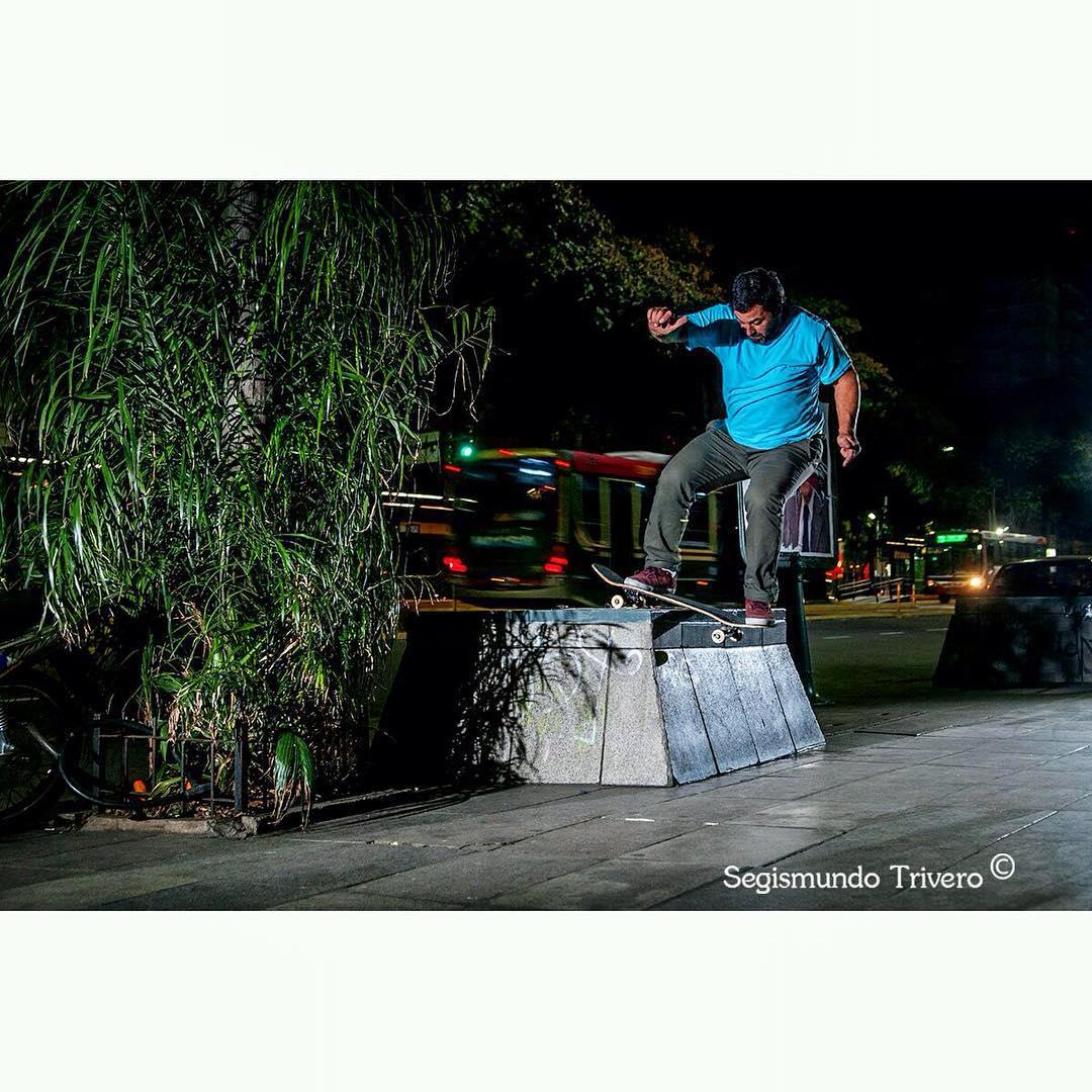 @sege_trivero nos manda esta linda foto de backside bores sobre una toma de aire por Vicente López