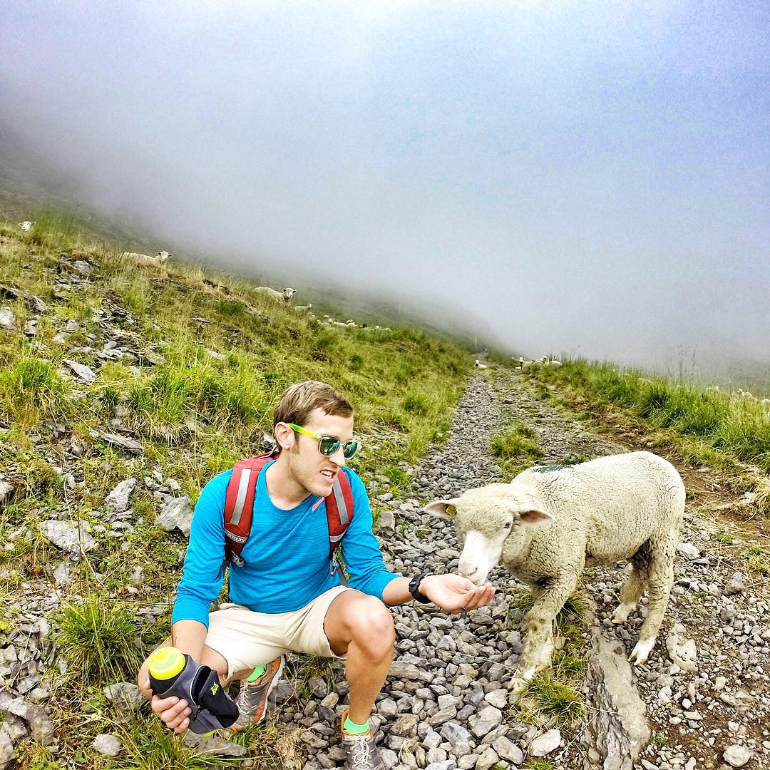 New adventures, new friends. @alexpotterm explains the benefits of polarized shades to a new buddy.