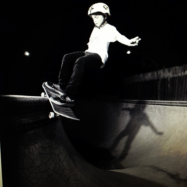 @cjcollinsskate S1 Kid Helmet @pocketpistols #ppsyoungguns #skateboarding #smithgrind #skatepools