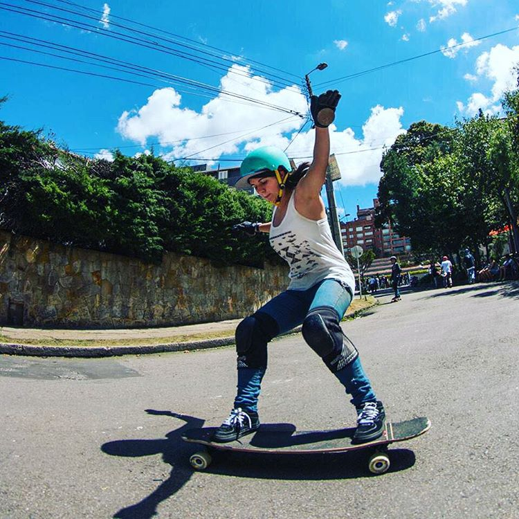 Go to longboardgirlscrew.com to check LGC Colombia rider @lauravargase's raw run in Los Abuelos. Hope you're all enjoying the weekend! Sebastian Niño photo.  #longboardgirlscrew #womensupportingwomen #skatelikeagirl #lauravargas #lgccolombia #colombia