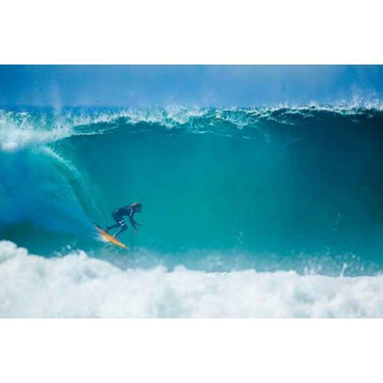 Foto del día: Rob Machado, Newport Beach. Photo: Ellis ✌  #Soul #Surfing #Waves #ReefTeam #LifeIsShortGoSurfing #justpassingthrough