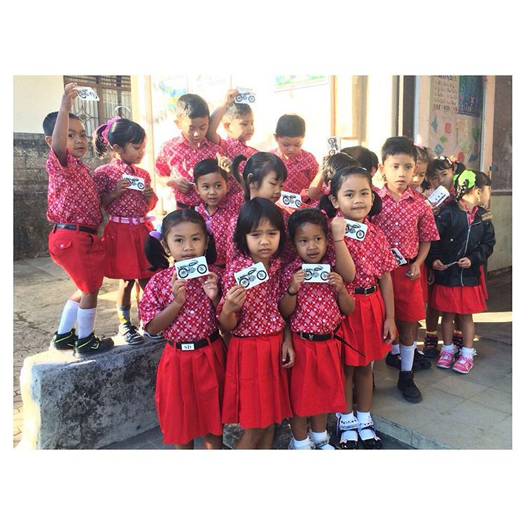 These adorable kiddos benefit from our support to @thehmsproject in Munduk, Bali. This rad project gets them through school, provides school supplies... (And gives out Indosole bike stickers, which they all seem to dig aside for miss front-and-center...
