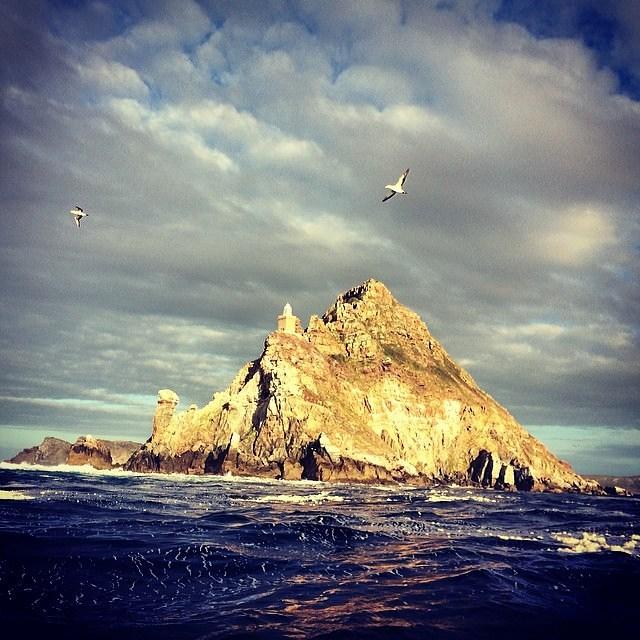 Beyond the horizon.  Photo: @brocqmaxey  Follow @Flowfold