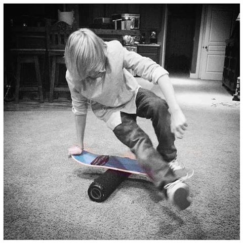 A little one footer throwback from @wakeman_9 #balanceboard #balance #skate #revbalance #findyourbalance #balanceskills #madeinusa #balanceboards #boardsports #skateboarding #longboarding #wakeskating #wakesurfing #wakeboarding #paddleboarding #sup...