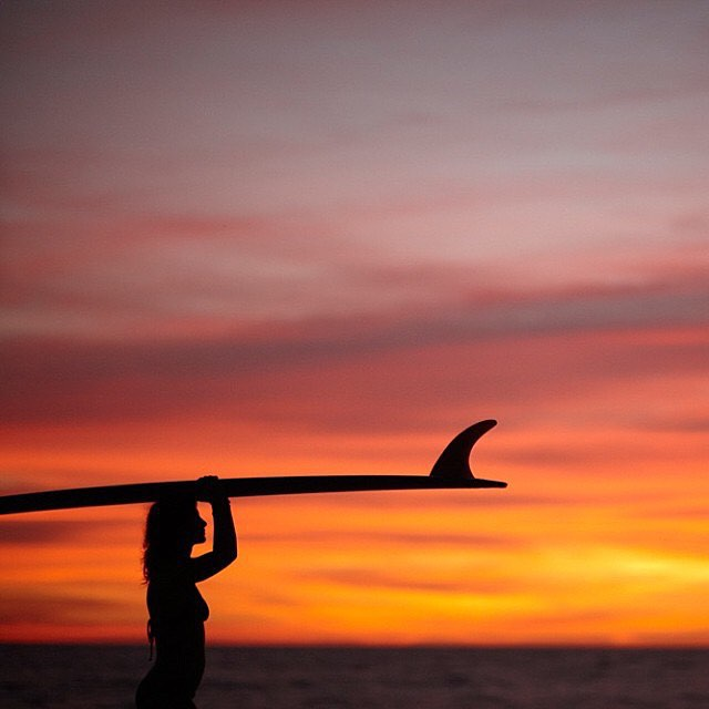SUNSET IS COMING | Stay tuned for the first photos of our #Sunset Scales #leggings very soon!  #sunsetsessions #australia #magic #surfleggings #sunprotection #beachlife