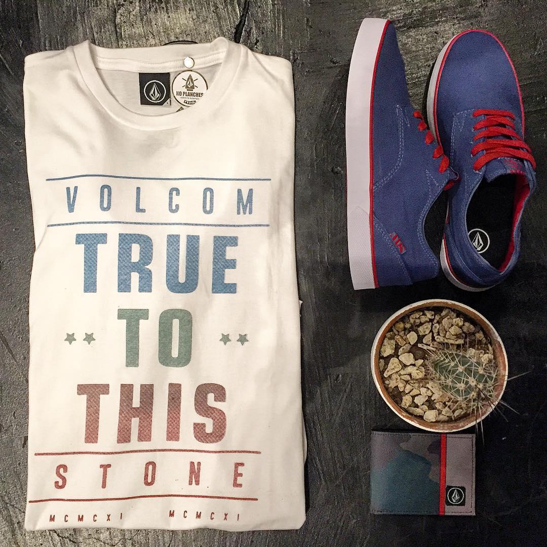 Postrock Básico Tee + Govna Blue colección #SS16 #Volcomfootwear #TrueToThis