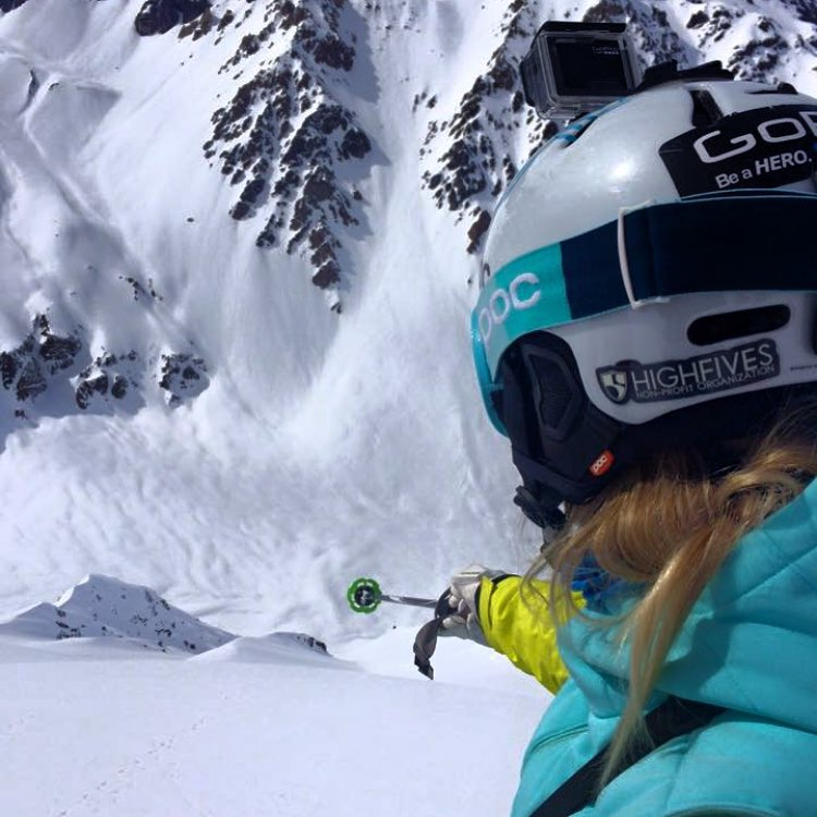 High Fives supporter @juliamancuso rocking her helmet and enjoying the ride! Where is this winter taking you? #helmetsarecool