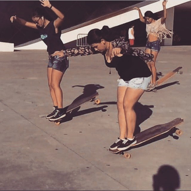 HangTen x 3! LGC Brasil riders @gavelak @sarawfc & @xtefani wining at the balance game.  #longboardgirlscrew #womensupportingwomen #brasil #brazil #girlswhoshred #skatelikeagirl #lgcbrasil