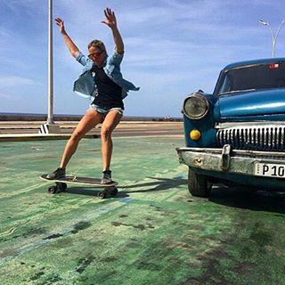 @longboardgirlscrewpma ambassador @ginamendez88 skating Cuba!  #longboardgirlscrew #womensupportingwomen #skatelikeagirl #ginamendez #cuba #lgcpanama