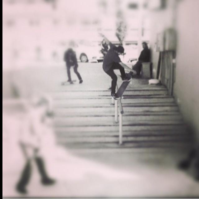 Repost de Sandro Moral @sandromoral !!! Buen día!!!!!! #volcom #skate #SandroMoral #Volcomfamily