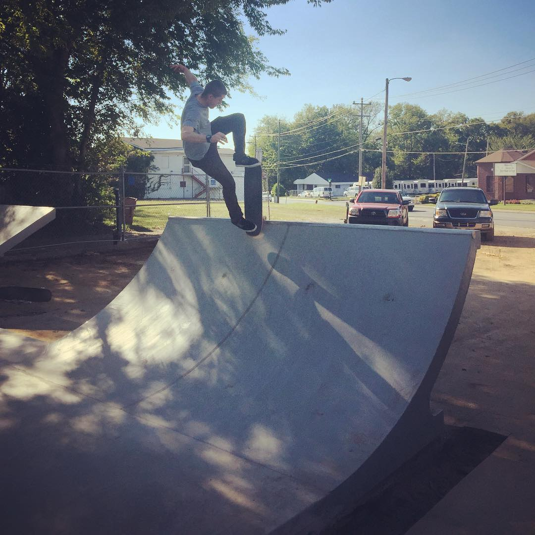 @collin615 poppin out of a scary blunt at the new spot.