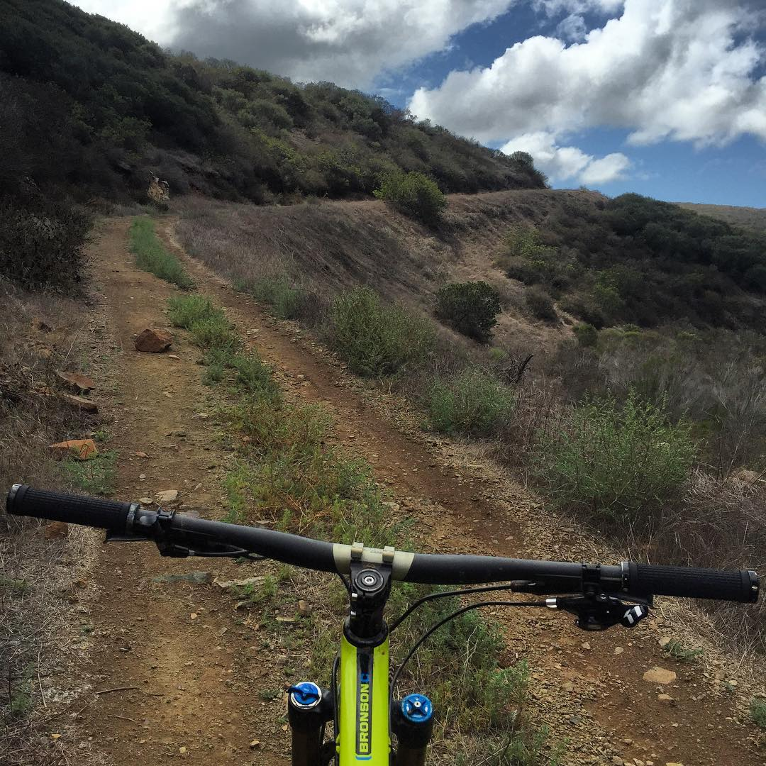 Another great ride today with @jeremymcgrath2 and @julian_wilson before I head out to Barcelona in the morning, the trails were awesome after the rain yesterday!! #spinthosepedals #bigclimb #feeltheburn thanks @tcclarkeee for pushing me hard so I...