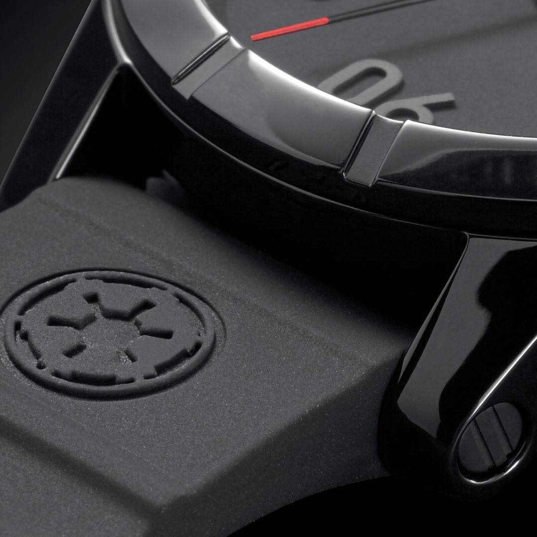 The @StarWars | #Nixon #ImperialPilot #Ranger40 shows solidarity to the Empire with subtly placed Imperial logos. #NixonNow #TheForceAwakens #DarthVader #StarWars #ForceAwakens #StarWarsTheForceAwakens