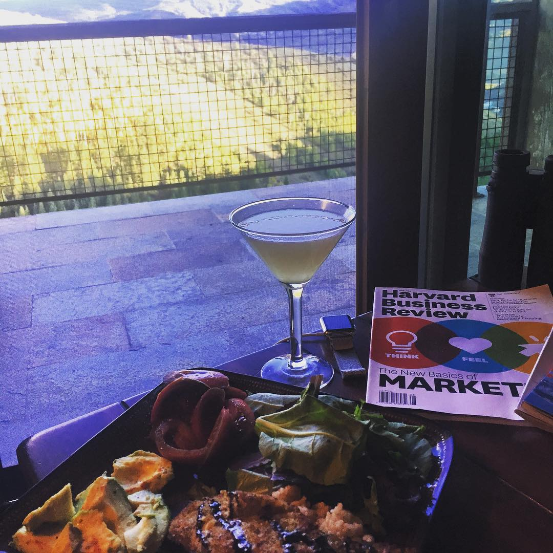 All Organic Dinner, Gin Martinis, and Harvard Business Review!  All my favorite things on beautiful Wednesday night! #healthyeating #healthyreading