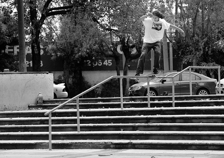 @starheadbody going the distance on a kinked feeble grind in Guadalajara, Mexico. Photo: @gastonfrancisco #EvanSmith #DCShoes