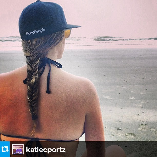 Check out our friend @katiecportz loving life at the beach #wavecheck #surf #surfreport #regram