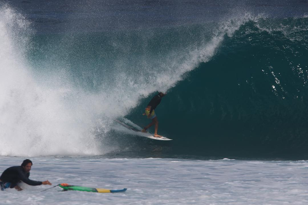 Two opposing sides of an Indonesian surf session: A) Locked into a dreamy, below sea level tube. B) Dry docked onto the reef trying to save board and body. @jonathangubbins gets the better end of the stick. #lifesbetterinboardshorts