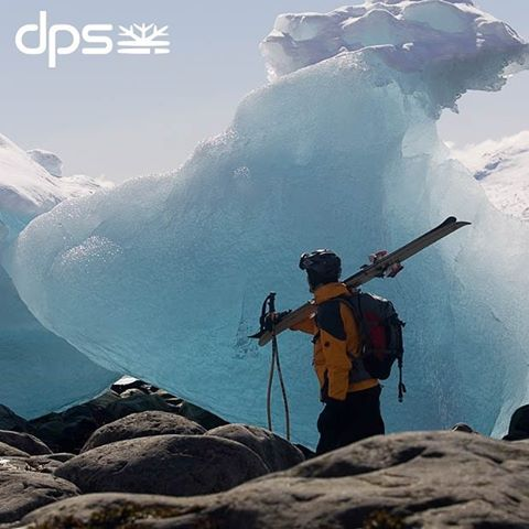 Roaming the land of ice and snow. Greenland Expedition, 2006. Photo: @oskar_enander. #dpsroots