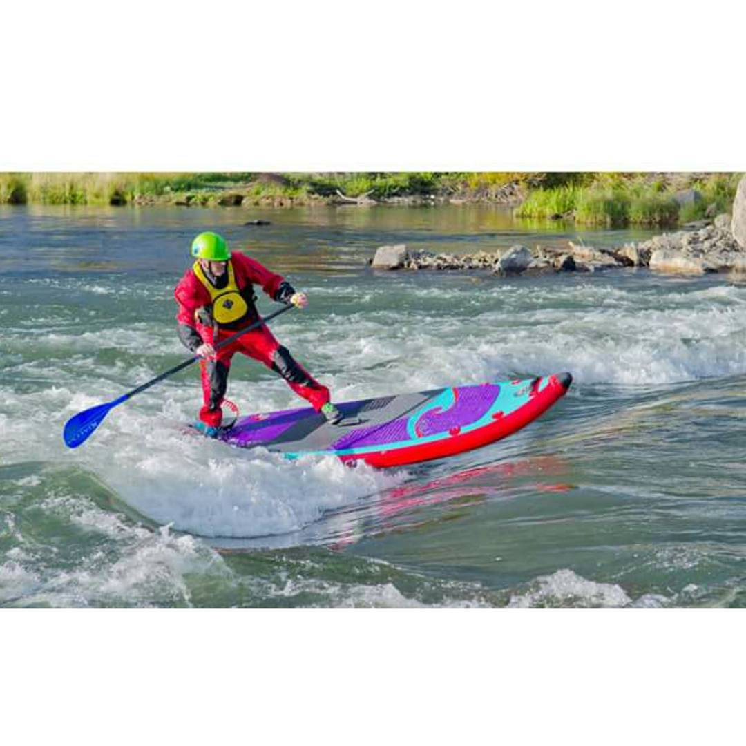 The Bend whitewater park is finally open!! Team rider @suppaul_pics surfing the #HalaAtcha in the 4th feature. #halagear #adventuredesigned #whitewaterdesigned #supsurfing #riversurfing #theweeklyinsta #bendwhitewaterpark #standuppaddle #Paddleboard...