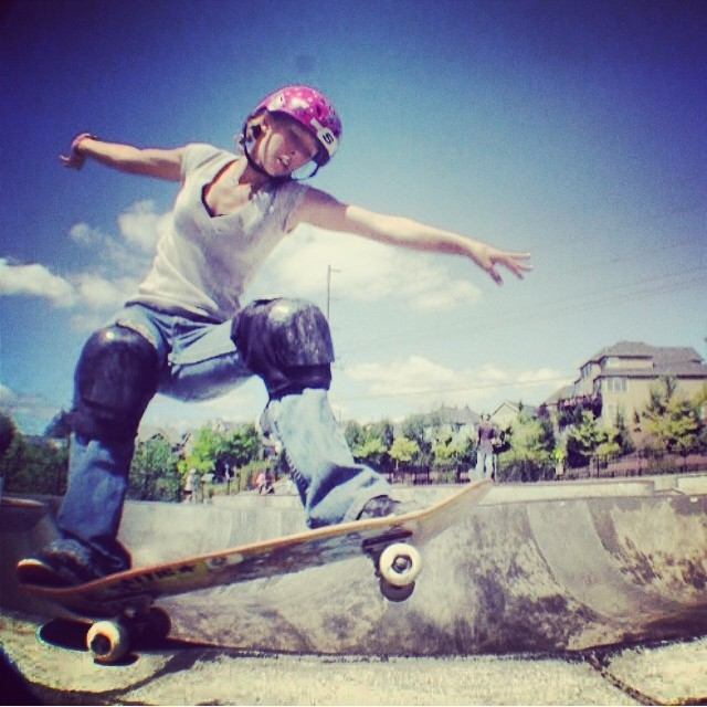 Regram @soulr3bl #julzlynn back in 2007. #julzrulz #skateboarding #s1helmets