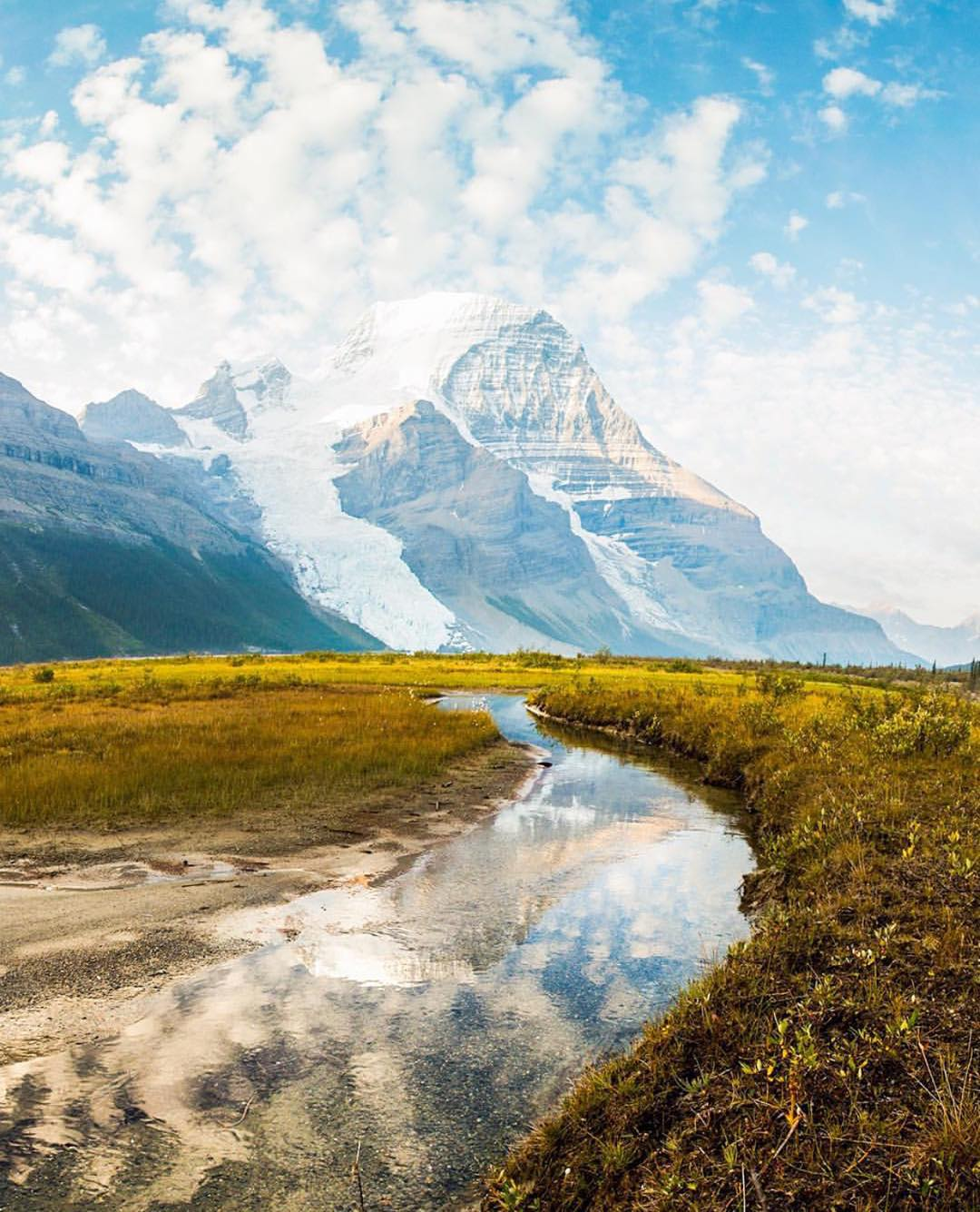@devansquires takes beautiful photos on her adventures. This is a #repost of Mount Robson Provincial Park in BC. Beautiful.