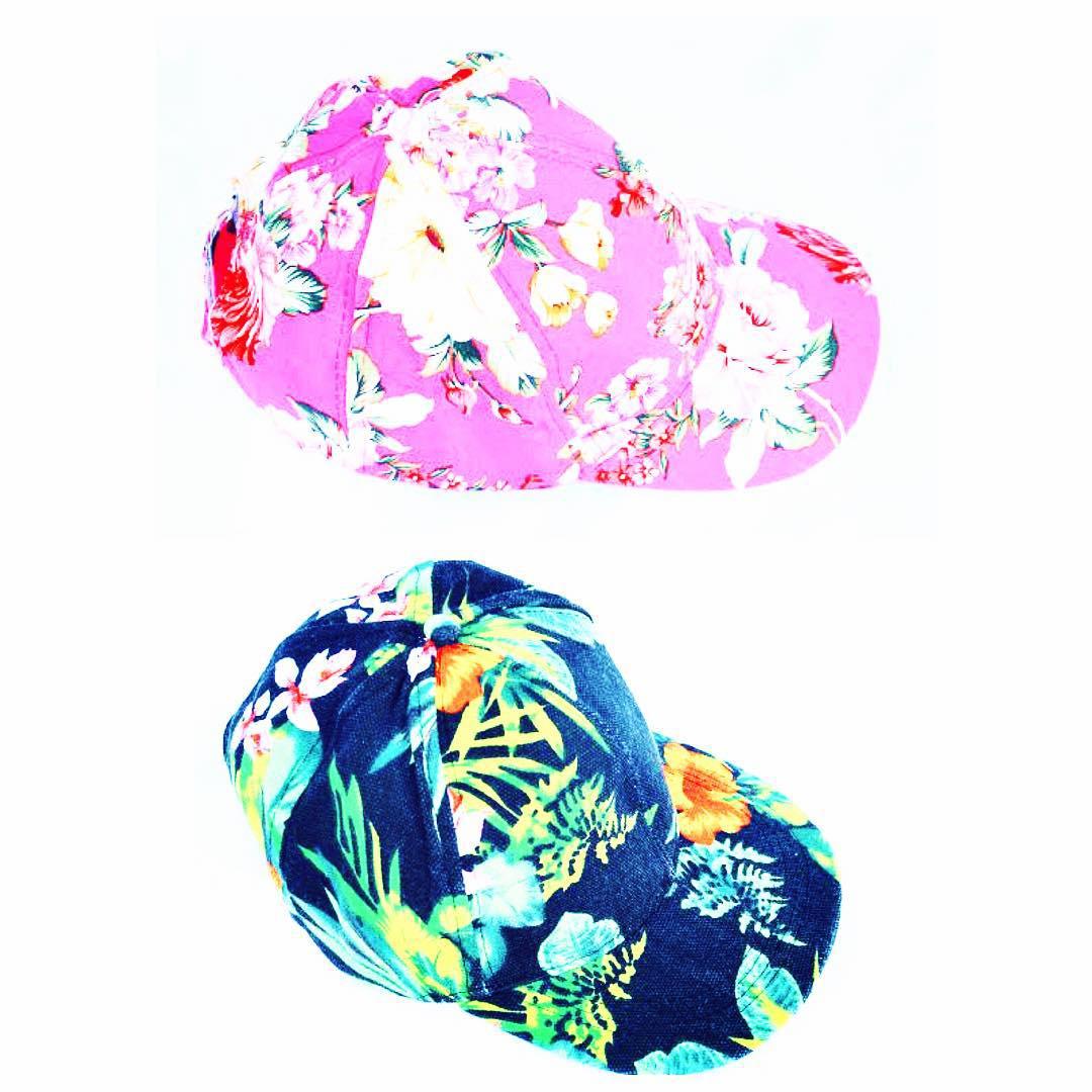 #gorras que son un #flash ✨✨✨ Cual preferis? Consegui estas y muchos modelos mas en www.delasbolivianas.com