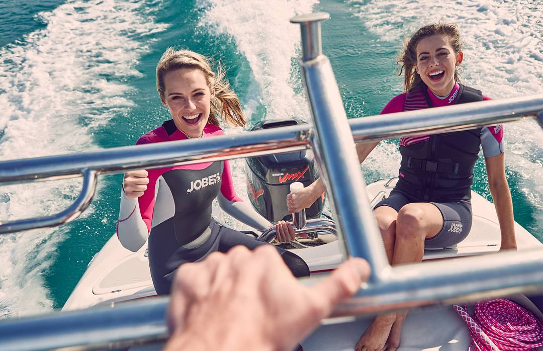 We hope you enjoy your weekend with your boat, rocking the cable or cruising on a SUP. As long as you're having fun on the water!  #Jobemoments #watersport #boat