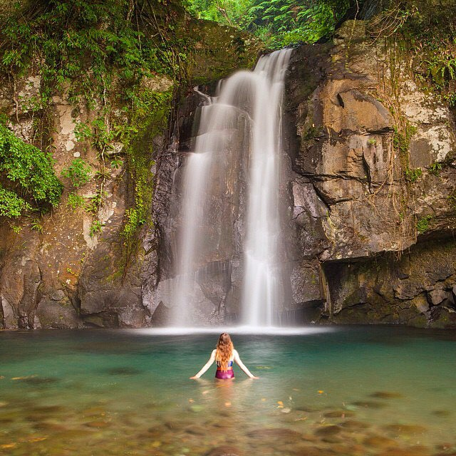 BE PRESENT | SOAK IN EVERY MOMENT  #waterfall #mermaid #soakitup #bepresent #travelingpants #OKIINO