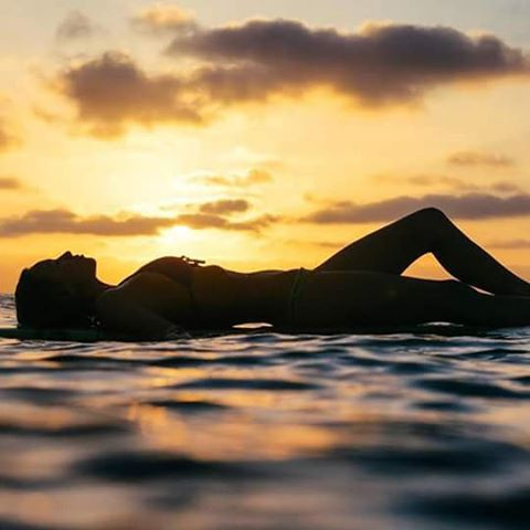@tiablanco - I love this life #justpassingthrough ☀  @stevemophoto #soul #surf #ReefGirls #lifestyle #LifeIsShortGoSurfing