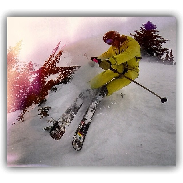 BANGERANG! TanSnowMan pops a muley banger on a shrub knuckle at Alta, earlier this week while filming with Sander Hadley... Video to drop on Facebook on Monday! Facebook/pandapoles  @tansnowman @sanderhadley @altaskiarea  #magicskiwands #pandatribe...