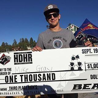 Big congratulations to #FluxBindings rider @MikeEGray for coming in 3rd at Hot Dawgz & Hand Rails! Proud of you buddy. Nice work out there! #HDHR2015 #BearMountain #BearBuilt #snowboarding