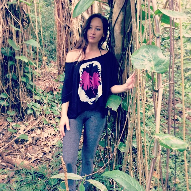 @tiarethomas in #nature in #Organik #sharkpalms #boyfriend #tee made from #beechwood #micromodal from #palmtreesandpineapples collection in stores soon. #fashion #style #madeinusa #aloha #hawaii #ootd #natural #style #fashion #instafashion #igfashion...